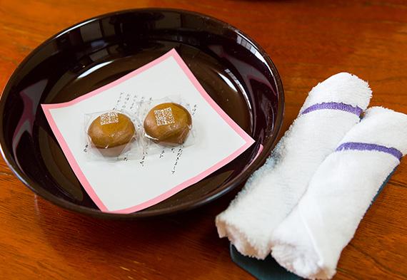 お茶菓子サービス