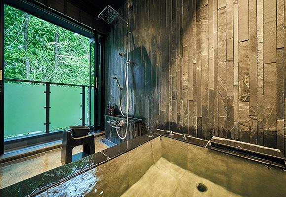 レインシャワー付き温泉ビューバスの画像